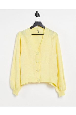 Pieces Cardigan with big buttons in pastel yellow