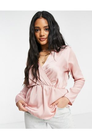 Femme Luxe Satin blouse in blush