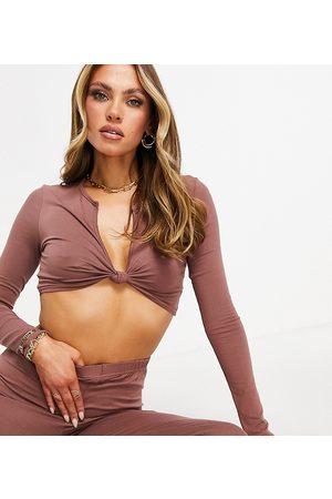Missyempire Mujer Crop tops - Exclusive twist front crop top in mocha