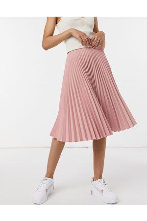 Closet Mujer Midi - Pleated midi skirt in blush pink