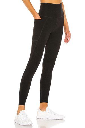 Beyond Yoga Out of pocket legging en color negro talla L en - Black. Talla L (también en M, S, XS).
