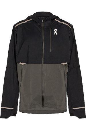 On Running Chaqueta en color negro talla L en - Black. Talla L (también en M).