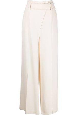AERON Pantalones anchos con cinturón