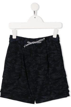 Emporio Armani Shorts con estampado militar