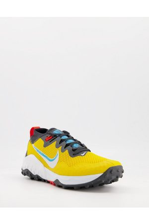 Nike Wildhorse 7 Trail trainers in yellow