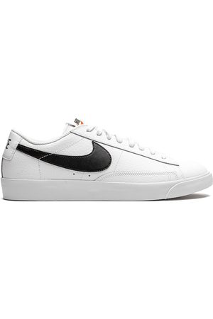 Nike Blazer low-top sneakers