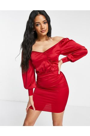 Femme Luxe Mujer Cortos - Satin wrap detail mini dress with volume sleeves in red