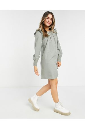 Pieces Mujer Casuales - Smock dress with shirred cuff in light green