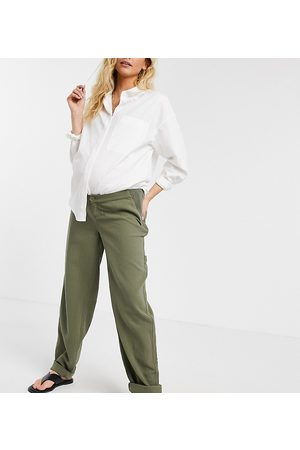 ASOS ASOS DESIGN Maternity slouchy chino trouser in khaki cheesecloth with side bump band