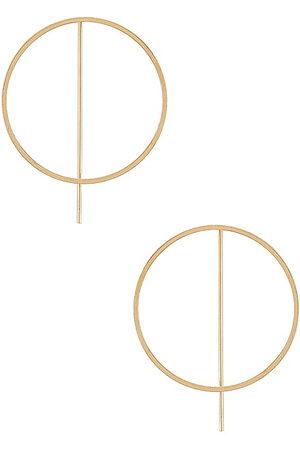 8 Other Reasons Pendientes de aro lights out en color oro metálico talla all en - Metallic Gold. Talla all.