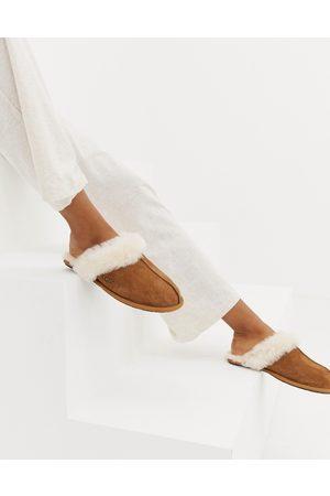 UGG Scuffette II Chestnut Slippers