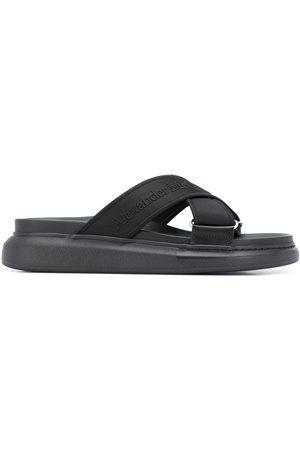 Alexander McQueen Hombre Flip flops - Sandalias oversize híbridas
