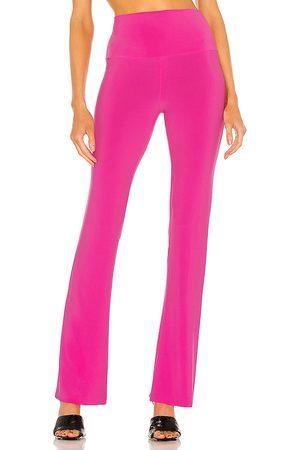 Norma Kamali Pantalón en color rosado talla L en - Pink. Talla L (también en XS, S, M).