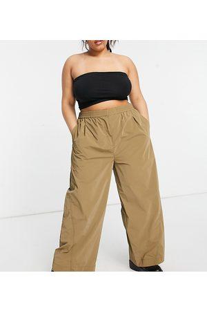 COLLUSION Mujer Leggings y treggings - Plus wide leg jogger in khaki