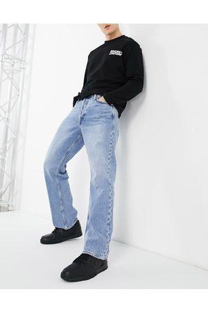 Jack & Jones Intelligence Rob wide fit jean in vintage lightwash blue