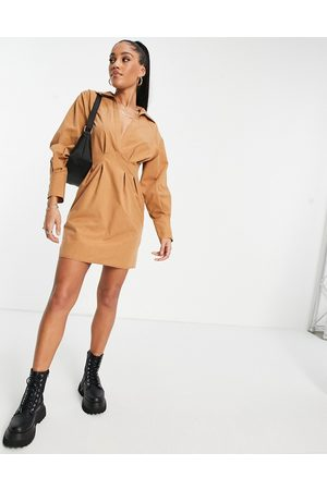 ASOS Mujer Camiseros - Casual nipped in waist mini shirt dress in brown