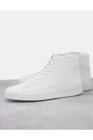 New Look Trainer with side stripe in white