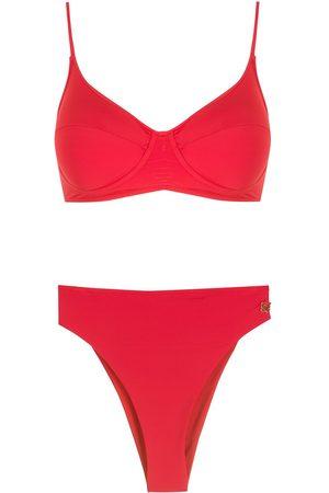 Brigitte Bikini estilo triángulo
