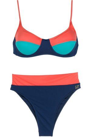 Brigitte Bikini tricolor con tiro alto