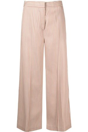 PT01 Pantalones con motivo de rayas