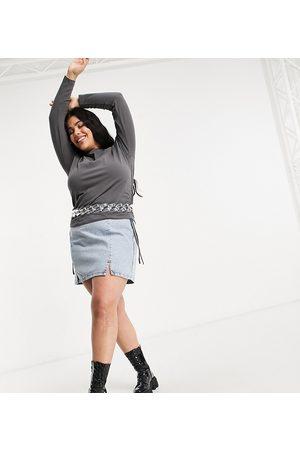 ASOS ASOS DESIGN Curve denim split front mini skirt in midwash
