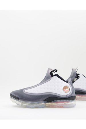 Nike Air Jordan Reign Trainers in black
