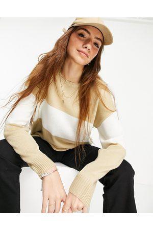 Liquorish Knit jumper in colourblock and white