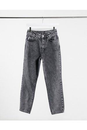 Noisy May Premium Isobel mom jeans with high waist in grey