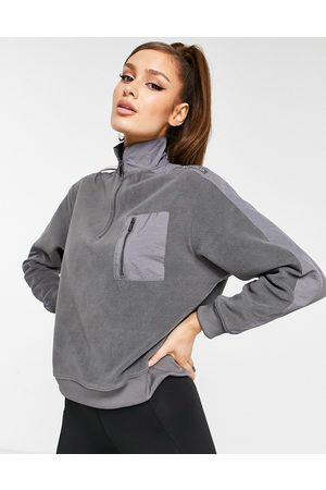 HIIT Microfleece 1/4 zip sweatshirt in grey