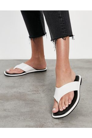 Schuh Tracy flip flop sandals in white