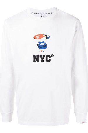 AAPE BY A BATHING APE Hombre Playeras - Camisa con estampado NYC