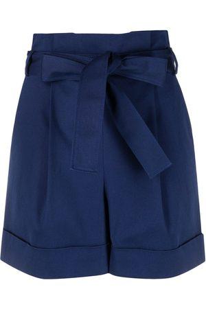 Moschino Mujer Shorts - Shorts de talle alto con cinturón