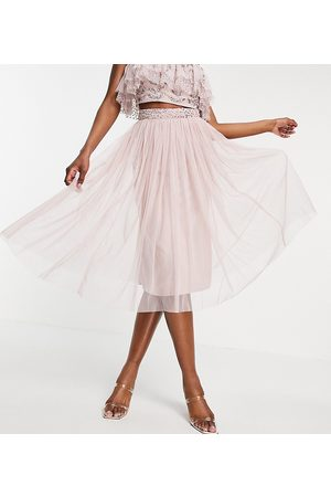Maya Mujer Midi - Tulle midi skirt with slit co ord in frosted pink