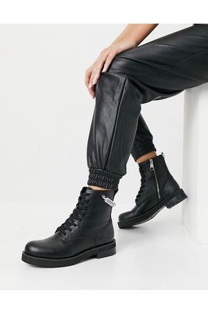 Calvin Klein Jeans nolly military boots in black