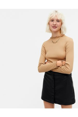 Monki Mujer Tops - Molly organic cotton ribbed long sleeve top in camel