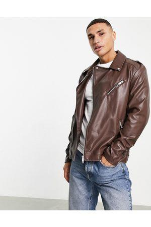 ASOS Hombre De piel - Faux leather biker jacket in brown