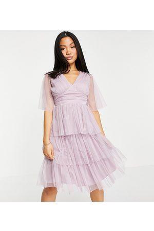 Anaya Petite Mujer Midi - Anaya With Love Petite flutter sleeve midi dress in lilac