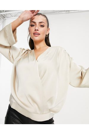 Pretty Lavish Mujer Blusas - Harper relaxed satin wrap blouse in taupe