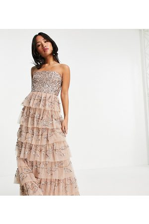 Maya Mujer Vestidos de noche - Bandeau all over embellished tiered maxi dress in taupe blush