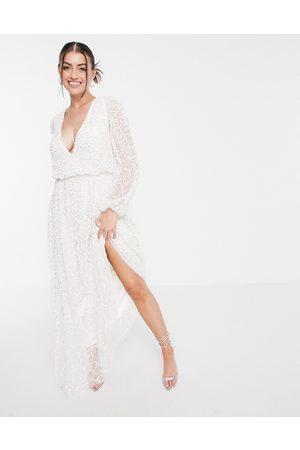 Maya Mujer Vestidos de noche - Deep v all over embellished maxi dress in white