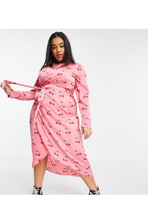 Never Fully Dressed Mujer Casuales - Wrap midi dress in pink cherry print