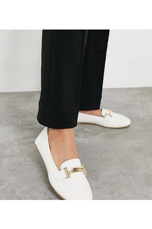 Raid Wide Fit Nidhi loafer with snaffle in white
