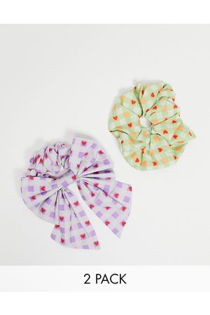 ASOS Mujer Accesorios para el cabello - Pack of 2 scrunchie and hair bow in gingham heart print