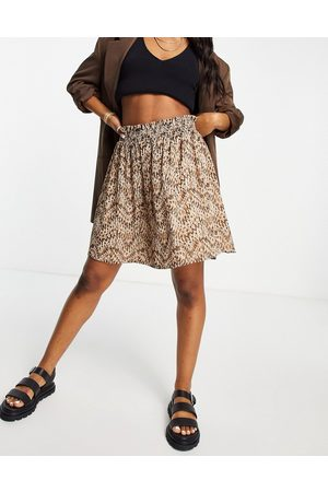 VILA Mini skirt with shirred detail in abstract print
