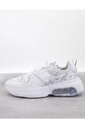 Nike Air Max Viva trainers in summit white