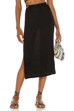 WeWoreWhat Falda midi en color talla L en - Black. Talla L (también en S, M, XS).