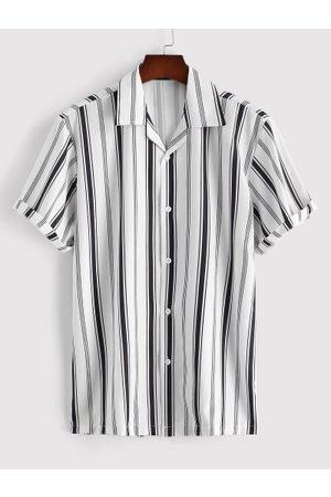 Zaful Hombre Manga corta - Balanced Stripe Short Sleeve Notched Collar Shirt