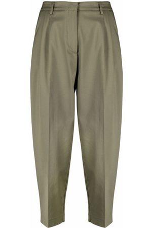BLANCA Mujer Capri o pesqueros - Pantalones capri con pinzas