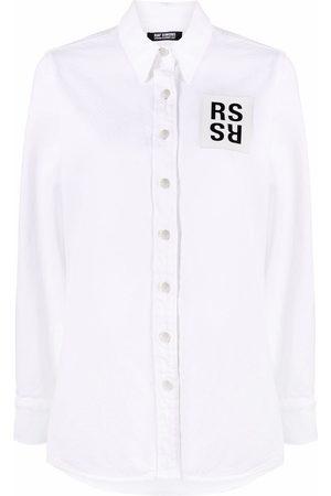 RAF SIMONS Mujer De mezclilla - Camisa de mezclilla con parche del logo