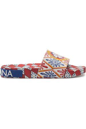 Dolce & Gabbana Flip flops con múltiples estampados